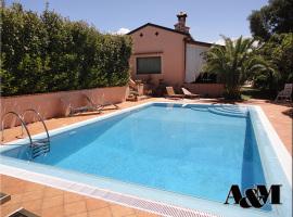 Villa con piscina sulla collinetta di Scalea