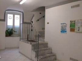 Via A.Mancini, zona Vomero 3 vani 70 mq in buono stato