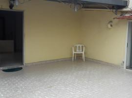Via Pietro Colletta 3vani 87 mq + 40mq di terrazzo,semiritrutturato